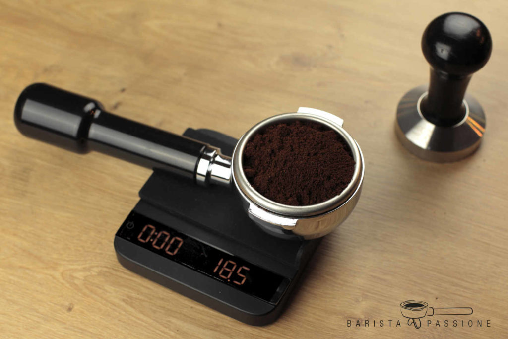 espresso zubereiten - espressomenge wiegen