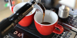 espresso machen mit barista waaga acaia lunar