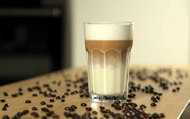 latte macchiato zubereiten