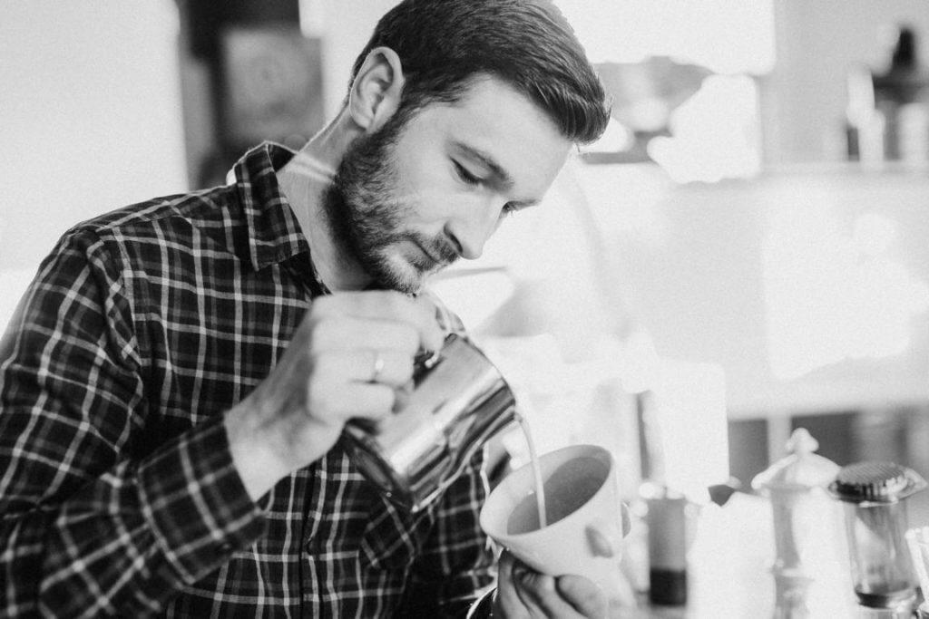 Latte Art Weltmeister Christian Ullrich im Interview auf barista ...