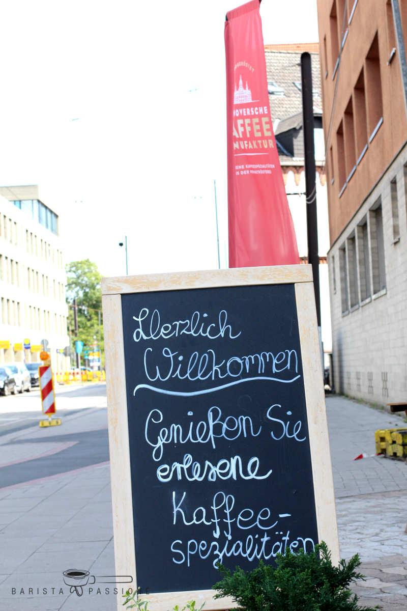 hannoversche-kaffeemanufaktur-wunstorfer-straße-eingangsbereich