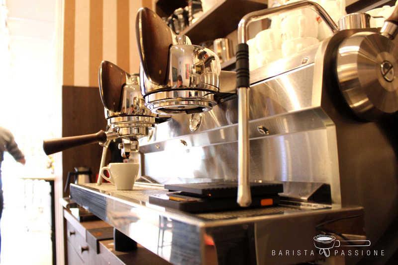 hannoversche-kaffeemanufaktur-wunstorfer-straße-slayer-espressomaschine