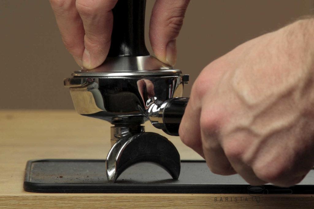 espresso-wie-stark-tampern